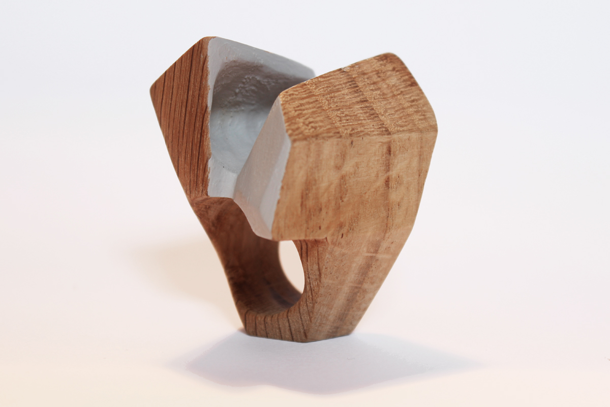 Fabrizio Bonvicini, Contemporary wood jewellery N. 187. Anello, legno di quercia, 2017